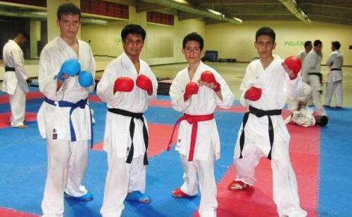 Karate-arag-e-o-mostr--su-talento